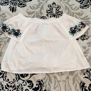 Cute white off the shoulder top-flower embroidery!
